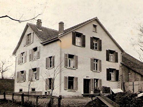 Wohnhaus in Zürich-Affoltern an der Alten Mühlackerstr. 30